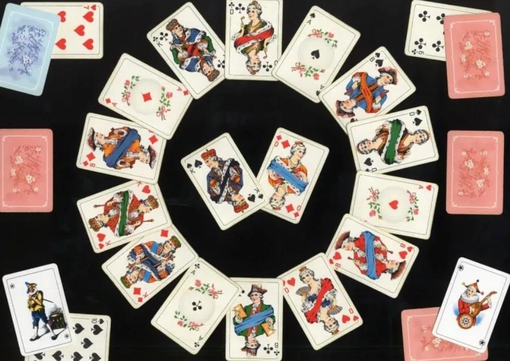 Пасьянс на простых картах гадание раскладка карт в гадании